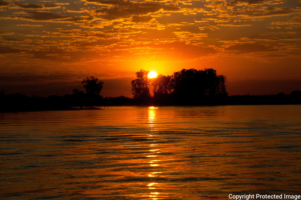 Sunrise on the Cuiba river