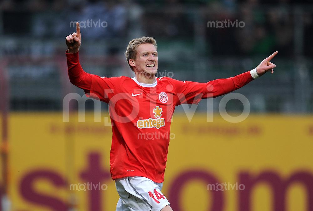 1. Fussball Bundesliga  Saison  2010/2011   21. Spieltag  05.02.2011 1 FSV Mainz 05 - SV Werder Bremen Jubel nach dem Tor zum 1:0  Andre Schuerrle (1. FSV Mainz 05)