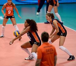 24-09-2014 ITA: World Championship Volleyball Thailand - Nederland, Verona<br /> Celeste Plak, Anne Buijs