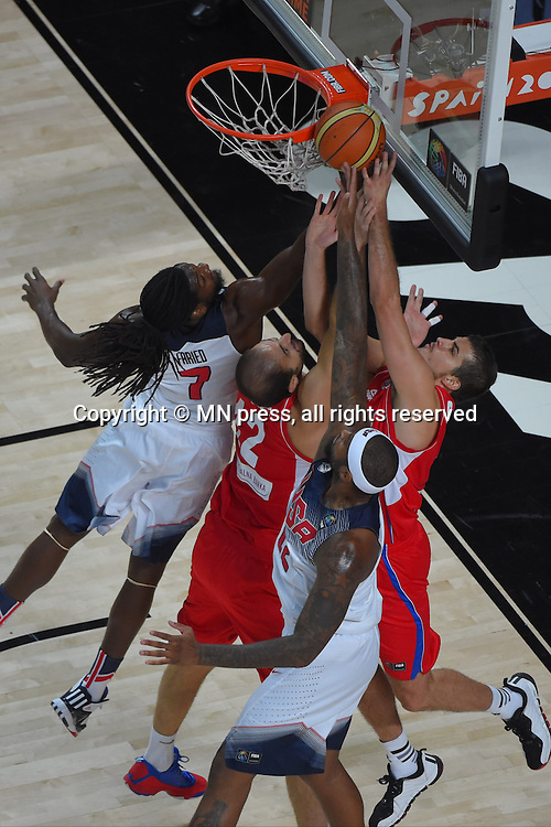 KENNETH FARIED of United states of America basketball team in action during Final FIBA World cup match against NENAD KRSTIC and NEMANJA BJELICA of Serbia, Madrid, Spain Photo: MN PRESS PHOTO<br /> Basketball, Serbia, United states of America, Final, FIBA World cup Spain 2014