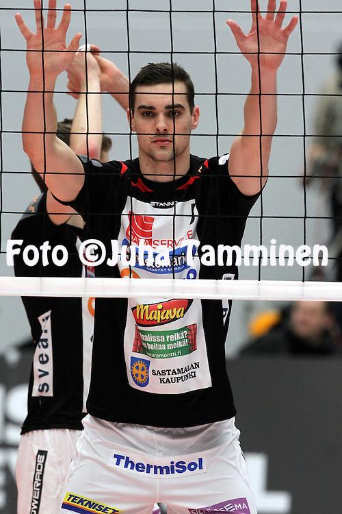 4.1.2015, Elenia Areena, H&auml;meenlinna.<br /> Lentopallon Suomen Cup 2014-15, loppuottelu. <br /> Kokkolan Tiikerit - Vammalan Lentopallo.<br /> Matthew Pollock - VaLePa