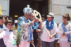 """Eduardo Paes (2nd R), mayor of the city of Rio de Janeiro, hands over the ceremonial key of Rio de Janeiro to """"King Momo"""" Wilson Neto (2nd L) during the official opening ceremony of Rio de Janeiro's 2015 Carnival at the City Palace in Rio de Janeiro, Brazil, Feb. 13, 2015. EXPA Pictures © 2015, PhotoCredit: EXPA/ Photoshot/ Xu Zijian<br /> <br /> *****ATTENTION - for AUT, SLO, CRO, SRB, BIH, MAZ only*****"""