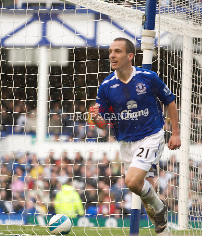 LIVERPOOL, ENGLAND - Sunday, April 6, 2008: Everton's Leon Osman celebrates scoring the opening goal against Derby County during the Premiership match in the snow at Goodison Park. (Photo by David Rawcliffe/Propaganda)