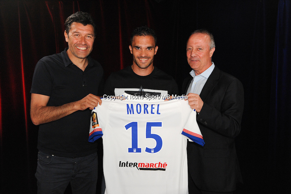 Hubert FOURNIER / Jeremy MOREL / Bernard LACOMBE - 01.06.2015 - Presentation du nouveau joueur de Lyon<br />