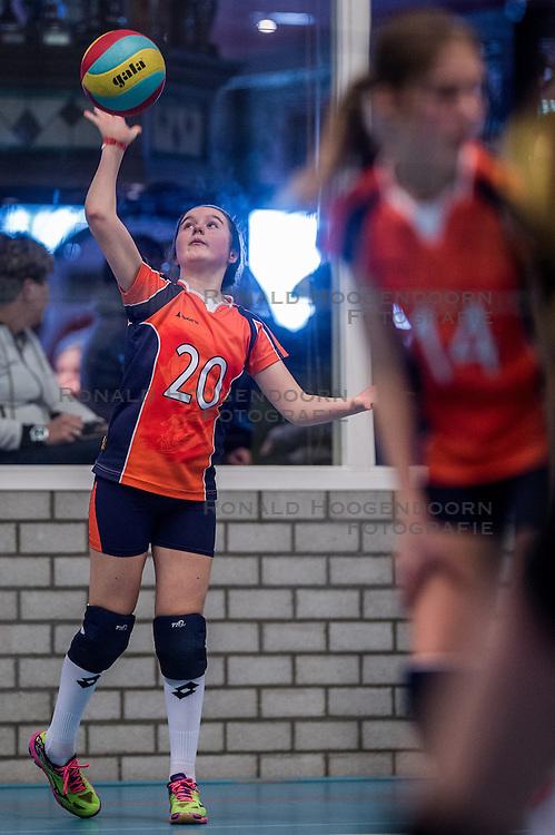 13-02-2016 NED: Halve Finale NOJK, Houten<br /> Halve finale van meisjes D en Jongens D in De Kruisboog in Houten.