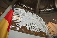 17 OCT 2013, BERLIN/GERMANY:<br /> Bundesadler und Bundesflagge, Plenum, Deutscher Bundestag<br /> IMAGE: 20131017-01-014<br /> KEYWORDS: Plenarsaal