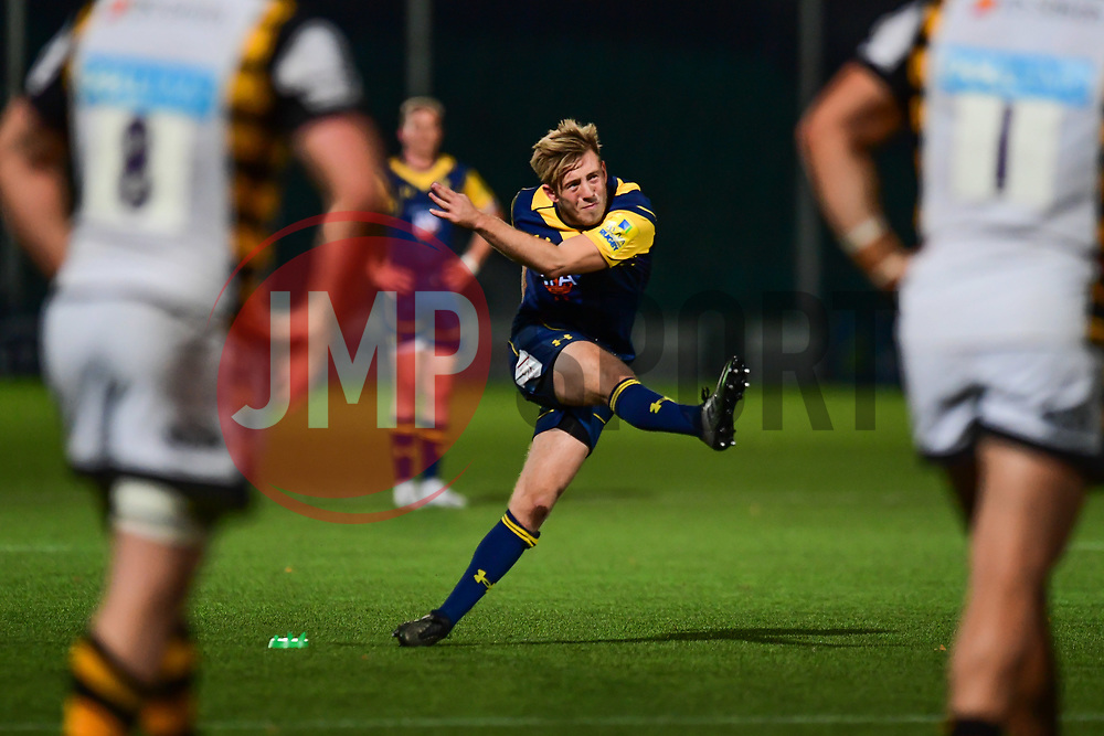 Sam Olver of Worcester Cavaliers kicks a penalty - Mandatory by-line: Craig Thomas/JMP - 23/10/2017 - RUGBY - Sixways Stadium - Worcester, England - Worcester Cavaliers v Wasps - Aviva A League
