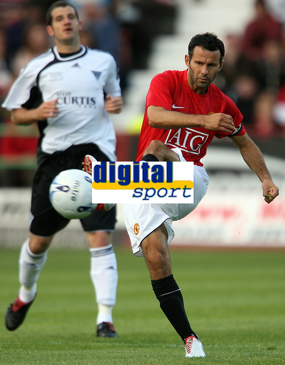 Photo: Paul Thomas. <br /> Dunfermline v Manchester United. Pre season Friendly.<br /> 08/08/2007. <br /> <br /> Ryan Giggs of Utd.