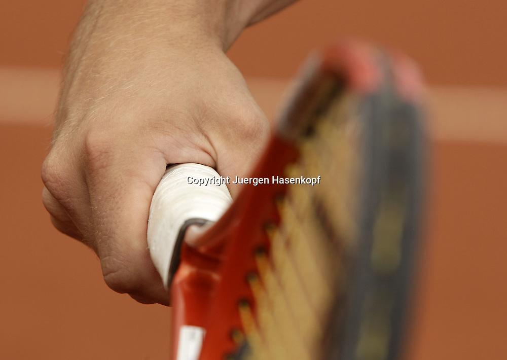 Tennis,Symbolfotos,Detail,Hand am Schlaeger,..Racket, Griff, Aufschlag,Service,