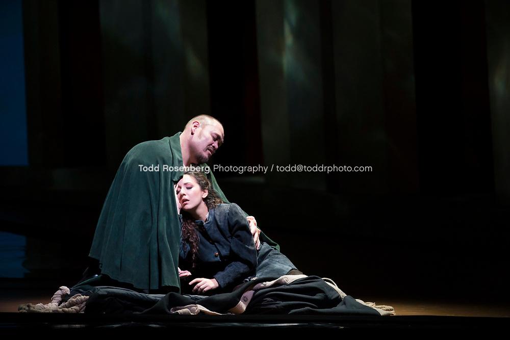 10/4/17 3:36:44 PM -- Lyric Opera Chicago Presents <br /> Giuseppe Verdi's Rigoletto <br /> <br /> &copy; Todd Rosenberg Photography 2017