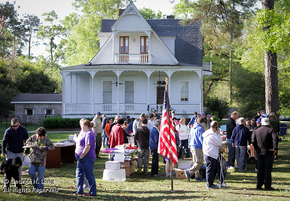 The town of Abita Springs held its Whole Town Garage Sale on Saturday, March 28, 2015.  Each year in the Spring, hundreds of people in the Abita Springs area all have their garage sale on the same day. The sale brings in shoppers from all around the area. <br /> <br /> <br /> <br />  (Grant Therkildsen Photo &copy;2015)