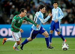 27.06.2010, Soccer City Stadium, Johannesburg, RSA, FIFA WM 2010, Argentina (ARG) vs Mexico (MEX), im Bild Lionel Messi (Argentina).. EXPA Pictures © 2010, PhotoCredit: EXPA/ InsideFoto/ Giorgio Perottino +++ for AUT and SLO only +++ / SPORTIDA PHOTO AGENCY