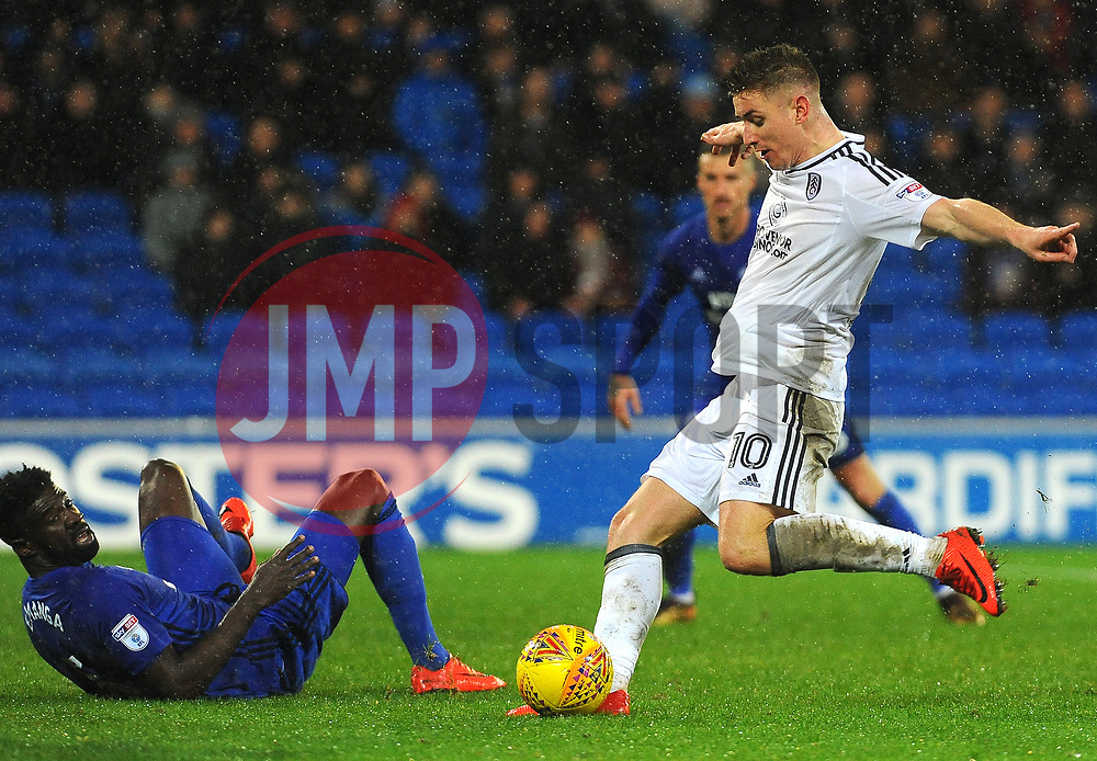Tom Cairney of Fulham shoots at goal - Mandatory by-line: Nizaam Jones/JMP- 26/12/2017 -  FOOTBALL - Cardiff City Stadium - Cardiff, Wales -  Cardiff City v Fulham - Sky Bet Championship