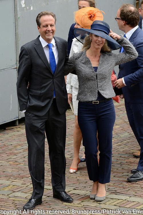 Prinsjesdag 2013 - Aankomst Parlementari&euml;rs bij de Ridderzaal op het Binnenhof.<br /> <br /> Op de foto:  Tweede Kamerlid Alexander Pechtold (D66) met zijn vrouw