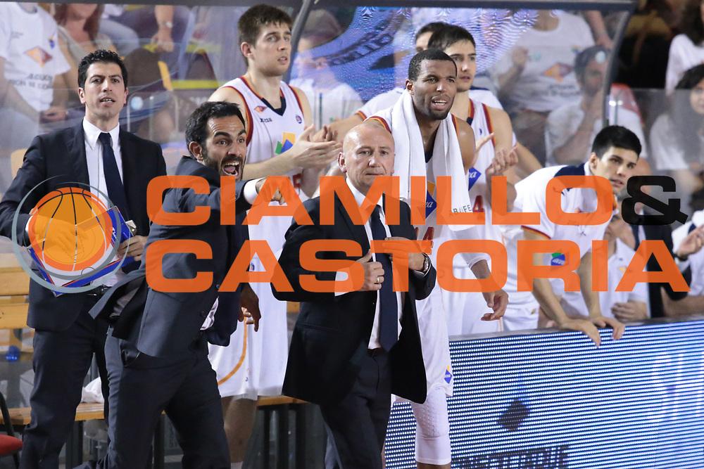 DESCRIZIONE : Roma quarti di finale gara 3 playoff 2013-2014 Acea Roma Acqua Vitasnella Cant&ugrave;<br /> GIOCATORE : team Luca Dalmonte<br /> CATEGORIA : esultanza curiosit&agrave; ritratto<br /> SQUADRA : Acea Roma<br /> EVENTO : quarti di finale gara 3 playoff 2013-2014<br /> GARA : Acea Roma Acqua Vitasnella Cant&ugrave;<br /> DATA : 24/05/2014<br /> SPORT : Pallacanestro <br /> AUTORE : Agenzia Ciamillo-Castoria/M.Simoni<br /> Galleria : playoff 2013-2014<br /> Fotonotizia : Roma quarti di finale gara 3 playoff 2013-2014 Acea Roma Acqua Vitasnella Cant&ugrave;<br /> Predefinita :