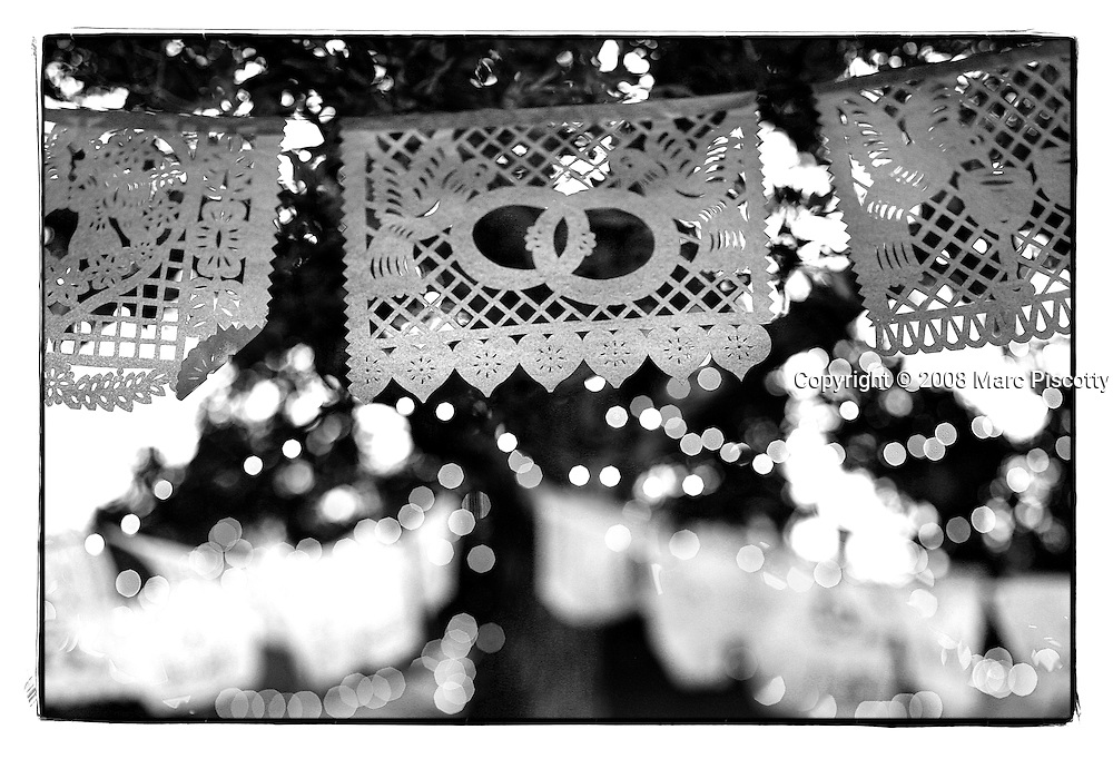 SHOT 10/12/08 6:37:19 PM - Wedding of Anacarmen and David Kilby in Old Town Albuquerque, N.M..(Photo by Marc Piscotty / © 2008)