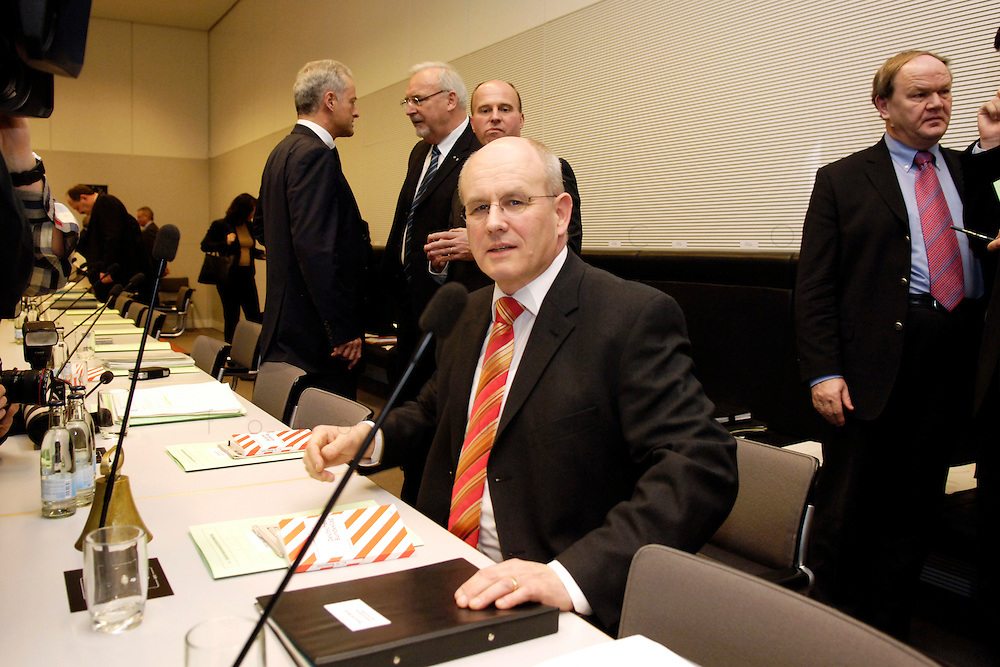 07 FEB 2006, BERLIN/GERMANY:<br /> Volker Kauder, CDU, CDU/CSU Fraktionsvorsitzender, vor Beginn der Fraktionssitzung, Deutscher Bundestag<br /> IMAGE: 20060207-01-009
