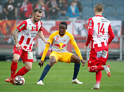 03.04.2019, Merkur Arena, Graz, AUT, OeFB Uniqa Cup, GAK vs Red Bull Salzburg, Halbfinale, im Bild von links Luka Kiric (GAK), Enock Mwepu (FC Red Bull Salzburg) und Dominik Derrant (GAK) // during the halffinal match of the ÖFB Uniqa Cup between GAK and Red Bull Salzburg at the Merkur Arena in Graz, Austria on 2019/04/03. EXPA Pictures © 2019, PhotoCredit: EXPA/ Erwin Scheriau