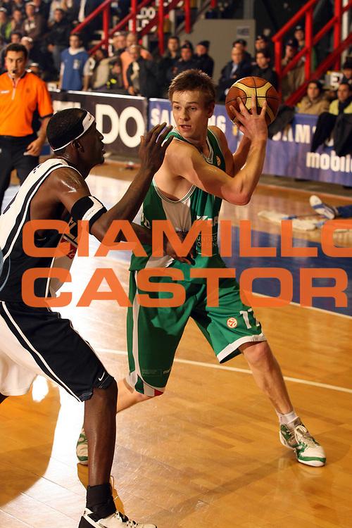 DESCRIZIONE : Napoli Eurolega 2006-07 Eldo Napoli Benetton Treviso<br /> GIOCATORE : Nelson<br /> SQUADRA : Benetton Treviso<br /> EVENTO : Eurolega 2006-2007 <br /> GARA : Eldo Napoli Benetton Treviso<br /> DATA : 31/01/2007 <br /> CATEGORIA : <br /> SPORT : Pallacanestro <br /> AUTORE : Agenzia Ciamillo-Castoria/E.Castoria