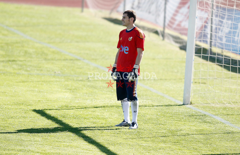 06.10.2010, Madrid, ESP, Spain national football team training, im Bild Iker Casillas during trainning session. EXPA Pictures © 2010, PhotoCredit: EXPA/ Alterphotos/ Alvaro Hernandez +++++ ATTENTION - OUT OF SPAIN / ESP +++++