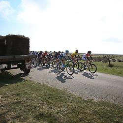 10-04-2016: Wielrennen: Energiewachttour vrouwen: Borkum <br />BORKUM (GER) wielrennen  De slotetappe van de Energiewachttour was een etappe op het Duitse Waddeneiland Borkum. Christine Majerus comtroleerd met leidster Ellen van Dijk de koers
