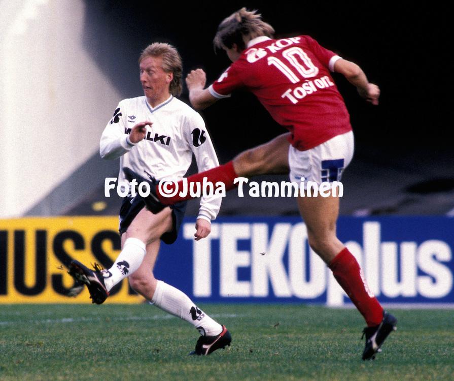 15.10.1988, Helsinki.Suomen Cupin loppuottelu, FC Haka - OTP.Rami Nieminen - Haka.©Juha Tamminen