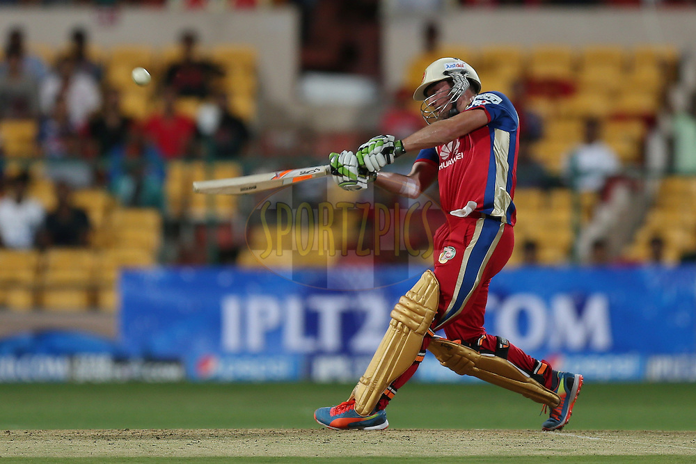 AB de Villiers during match 24 of the Pepsi Indian Premier League Season 2014 between the Royal Challengers Bangalore and the Sunrisers Hyderabad held at the M. Chinnaswamy Stadium, Bangalore, India on the 4th May 2014. Photo by Jacques Rossouw / IPL / SPORTZPICS<br /> <br /> <br /> <br /> Image use subject to terms and conditions which can be found here:  http://sportzpics.photoshelter.com/gallery/Pepsi-IPL-Image-terms-and-conditions/G00004VW1IVJ.gB0/C0000TScjhBM6ikg