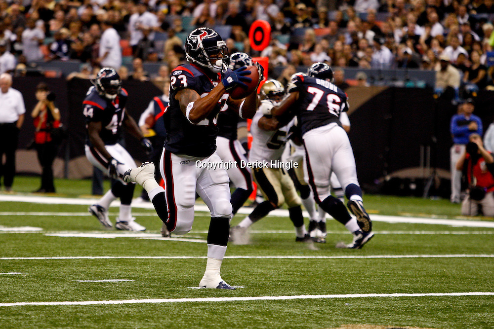 August 21, 2010; New Orleans, LA, USA; Houston Texans running back Arian Foster (23) runs for a touchdown during the second quarter of a preseason game at the Louisiana Superdome. Mandatory Credit: Derick E. Hingle