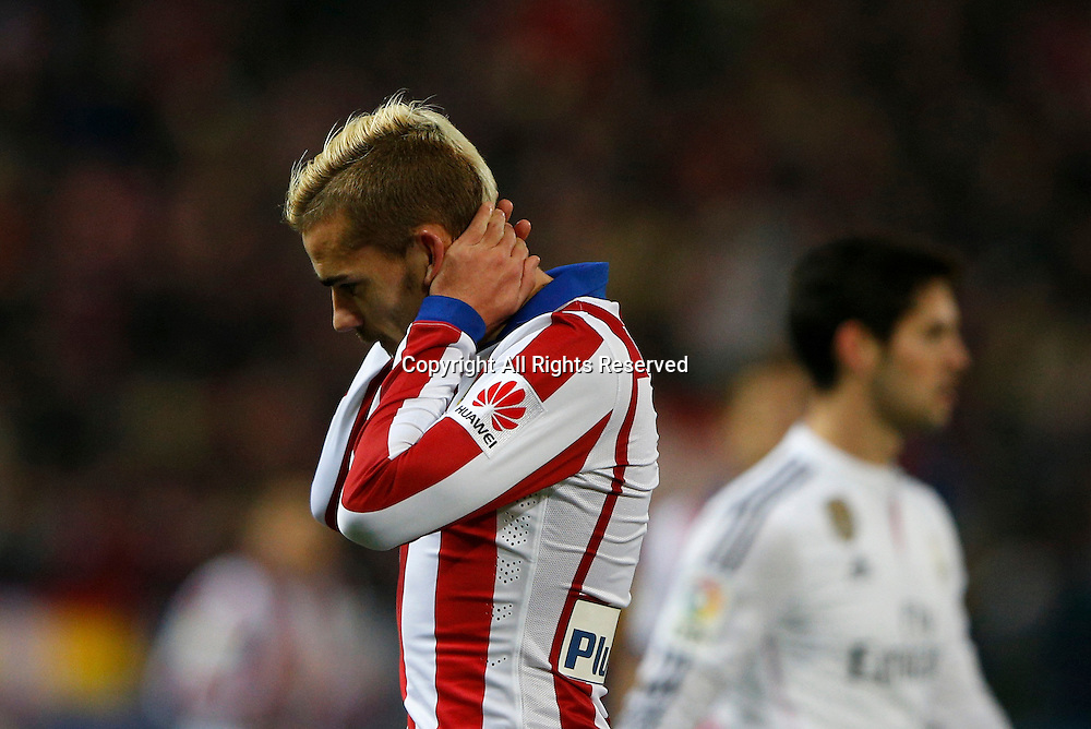 07.01.2015. Madrid, Spain. Copa del Rey Cup football. Atletico Madrid versus real madrid. Antonie Griezmann Forward of Atletico de Madrid with a close miss on goal