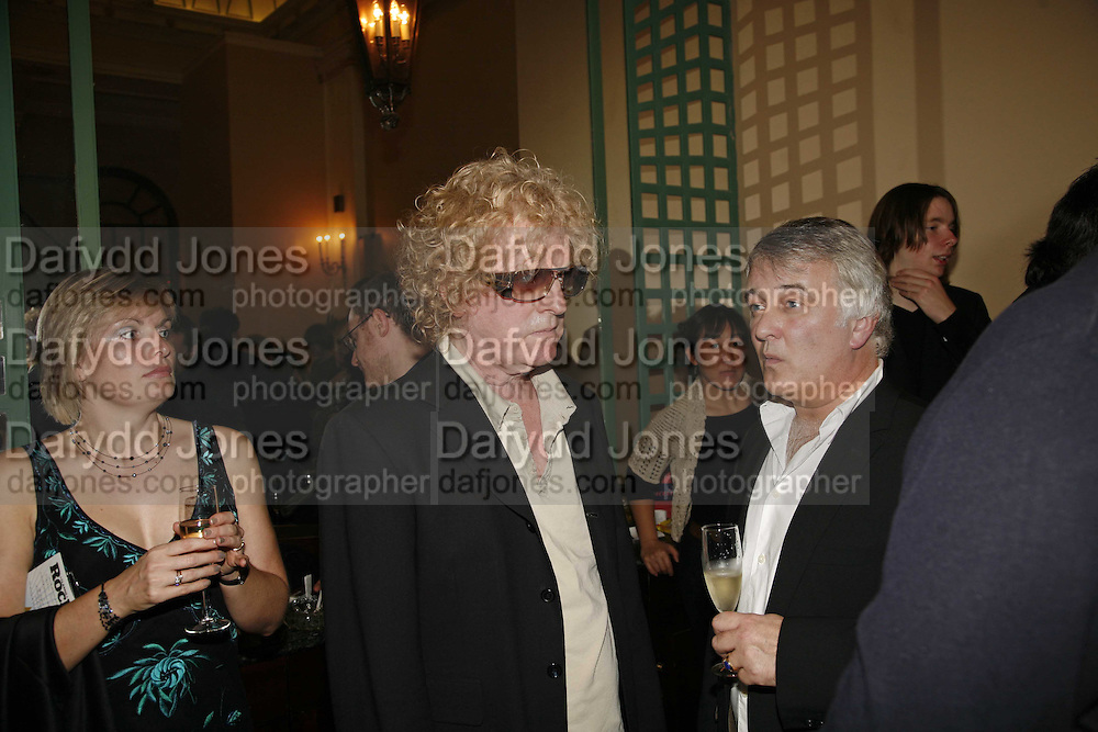 Ian Hunter from Mott the Hoople. Classic Rock Roll of Honour, Classic Rock magazineÍs annual awards party. Langham Hotel, portland Place. London. 6 November 2006.  ONE TIME USE ONLY - DO NOT ARCHIVE  © Copyright Photograph by Dafydd Jones 66 Stockwell Park Rd. London SW9 0DA Tel 020 7733 0108 www.dafjones.com