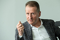 30 MAR 2020, WOLFSBURG/GERMANY:<br /> Herbert Diess, Vorstandsvorsitzender Volkswagen AG, waehrend einem Interview, VW Konzernzentrale<br /> IMAGE: 20200330-01-005