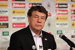 07.04.2012, Borussia-Park, Moenchengladbach, GER, 1. FBL, Borussia Moenchengladbach vs Hertha BSC, 29. Spieltag, im Bild Trainer Otto Rehagel (Hertha BSC Berlin), Portrait // during the German Bundesliga Match, 29th Round between VBorussia Moenchengladbach and Hertha BSC at the Borussia Park, Moenchengladbach, Germany on 2012/04/07. EXPA Pictures © 2012, PhotoCredit: EXPA/ Eibner/ Oliver Vogler..***** ATTENTION - OUT OF GER *****