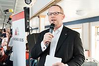 04 JUN 2019, BERLIN/GERMANY:<br /> Johannes Kahrs, MdB, SPD, Sprecher Seeheimer Kreis, vor Beginn der Spargelfahrt des Seeheimer Kreises der SPD, Anleger Wannsee<br /> IMAGE: 20190604-01-151