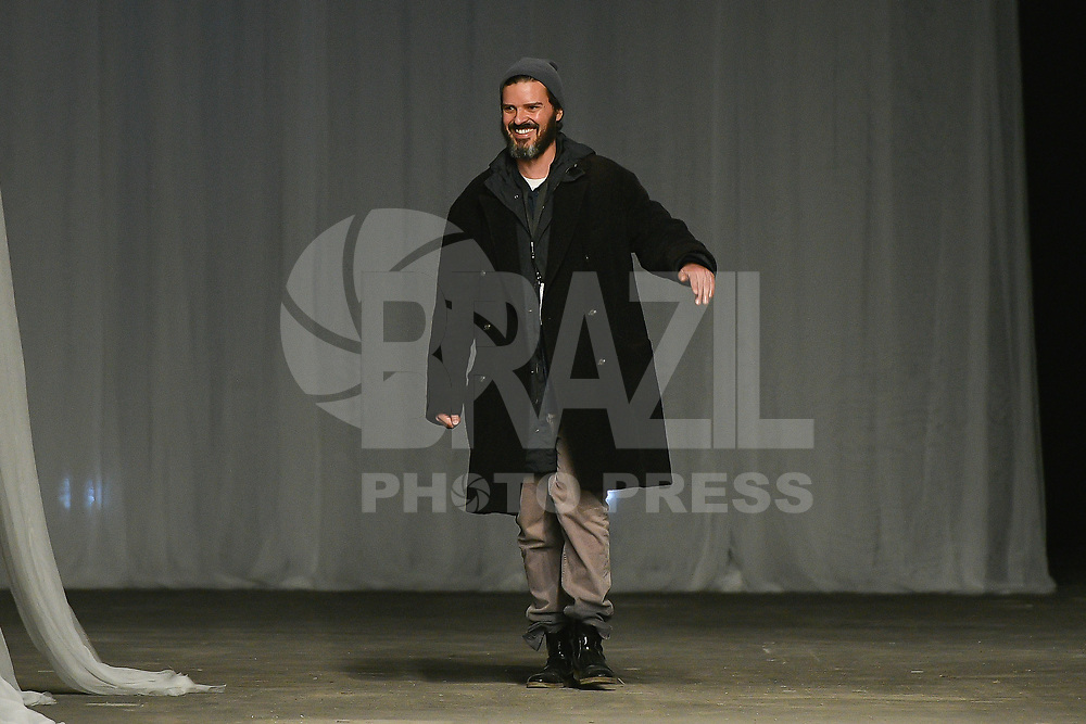 LISBOA, PORTUGAL, 22.03.2017 - PORTUGAL FASHION - Modelo desfilando para a grife Pedro Pedro durante o show no Portugal Fashion, na Cordoaria Nacional, em Lisboa, Portugal, nessa quarta 22. (Foto: Bruno de Carvalho / Brazil Photo Press)