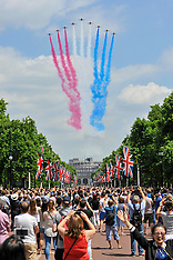 2017_06_17_FLY_PAST_THE_MALL_SCU