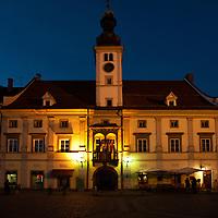La piazza di Glavni trg con il Municipio