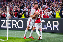 14-08-2018 NED: Champions League AFC Ajax - Standard de Liege, Amsterdam<br /> Third Qualifying Round,  3-0 victory Ajax during the UEFA Champions League match between Ajax v Standard Luik at the Johan Cruijff Arena / Klaas Jan Huntelaar #9 of Ajax, Nicolas Tagliafico #31 of Ajax