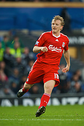 BLACKBURN, ENGLAND - Saturday, December 6, 2008: Liverpool's Dirk Kuyt in action against Blackburn Rovers during the Premiership match at Ewood Park. (Photo by David Rawcliffe/Propaganda)