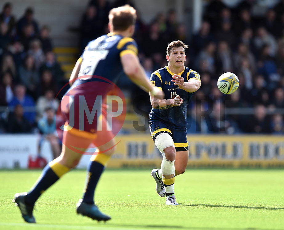 Ryan Mills of Worcester Warriors passes the ball - Mandatory byline: Patrick Khachfe/JMP - 07966 386802 - 15/04/2017 - RUGBY UNION - Sixways Stadium - Worcester, England - Worcester Warriors v Bath Rugby - Aviva Premiership.