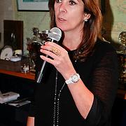 NLD/Muiden/20110523 - Uitreiking CosmoQueenaward 2011 aan Katja Romer - Schuurman, Annemarie van Gaal