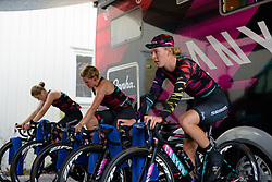 Hannah Barnes warms up with her CANYON//SRAM Racing teammates at the 42,5 km team time trial of the UCI Women's World Tour's 2016 Crescent Vårgårda Team Time Trial on August 19, 2016 in Vårgårda, Sweden. (Photo by Sean Robinson/Velofocus)