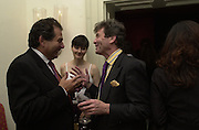 Robert Bourne, Mrs. Nicholas Coleridge and Melvyn Bragg. Tina Brown CBE and Birthday party hosted by Sally Greene. Cheyne Walk. London 21 November 2000. © Copyright Photograph by Dafydd Jones 66 Stockwell Park Rd. London SW9 0DA Tel 020 7733 0108 www.dafjones.com