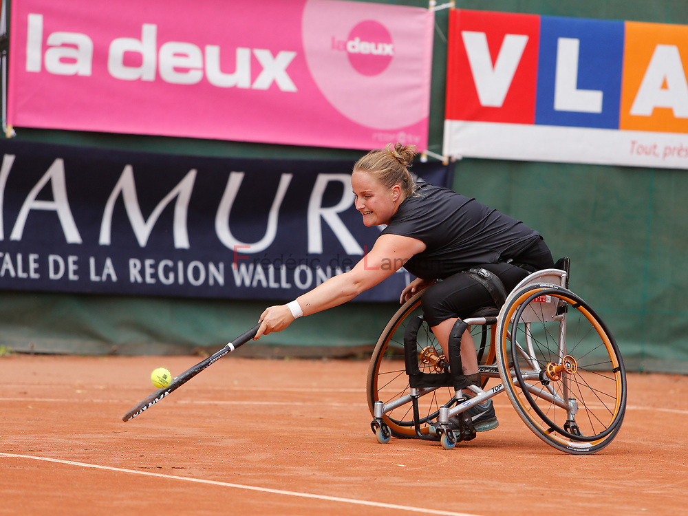 20170728 - Namur, Belgium : Aniek Van Koot (NED) returns the ball during her 1/4th final match against Dana Mathewson (USA) at the 30th Belgian Open Wheelchair tennis tournament on 28/07/2017 in Namur (TC Géronsart). © Frédéric de Laminne
