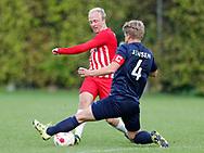 FODBOLD: Jeppe Ødegaard (Espergærde) tackles af Rasmus Hansen (Frem Hellebæk) under kampen i Serie 1 mellem Frem Hellebæk og Espergærde IF den 26. august 2017 ved Nordkysthallen. Foto: Claus Birch