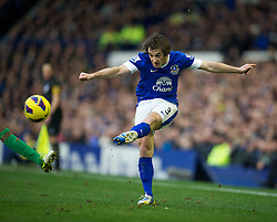 LIVERPOOL, ENGLAND - Saturday, January 12, 2013: Everton's Leighton Baines in action against Swansea City during the Premiership match at Goodison Park. (Pic by David Rawcliffe/Propaganda)