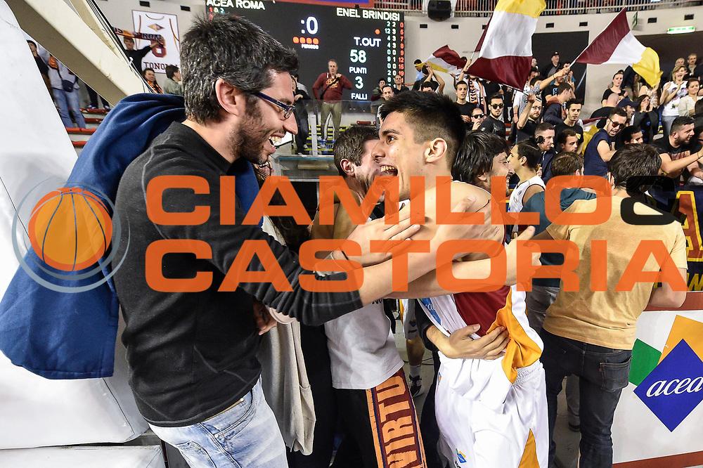DESCRIZIONE : Campionato 2014/15 Virtus Acea Roma - Enel Brindisi<br /> GIOCATORE : <br /> CATEGORIA : Postgame Ritratto Esultanza Pubblico<br /> SQUADRA : Virtus Acea Roma<br /> EVENTO : LegaBasket Serie A Beko 2014/2015<br /> GARA : Virtus Acea Roma - Enel Brindisi<br /> DATA : 19/04/2015<br /> SPORT : Pallacanestro <br /> AUTORE : Agenzia Ciamillo-Castoria/GiulioCiamillo