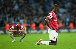 27.02.2011, Wembley Stadium, London, ENG, Carling Cup, Finale, Arsenal FC vs Birmingham City, im Bild Arsenal's players look dejected after losing 2-1 to Birmingham City during the Football League Cup Final match at Wembley Stadium, EXPA Pictures © 2011, PhotoCredit: EXPA/ Propaganda/ Gareth Davies *** ATTENTION *** UK OUT!