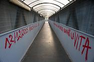 Roma, 31/12/2015: scritte contro il CIE di Ponte Galeria, stazione Fiera dii Roma - writing against the Center ofIdentification and Expulsion of Ponte Galeria