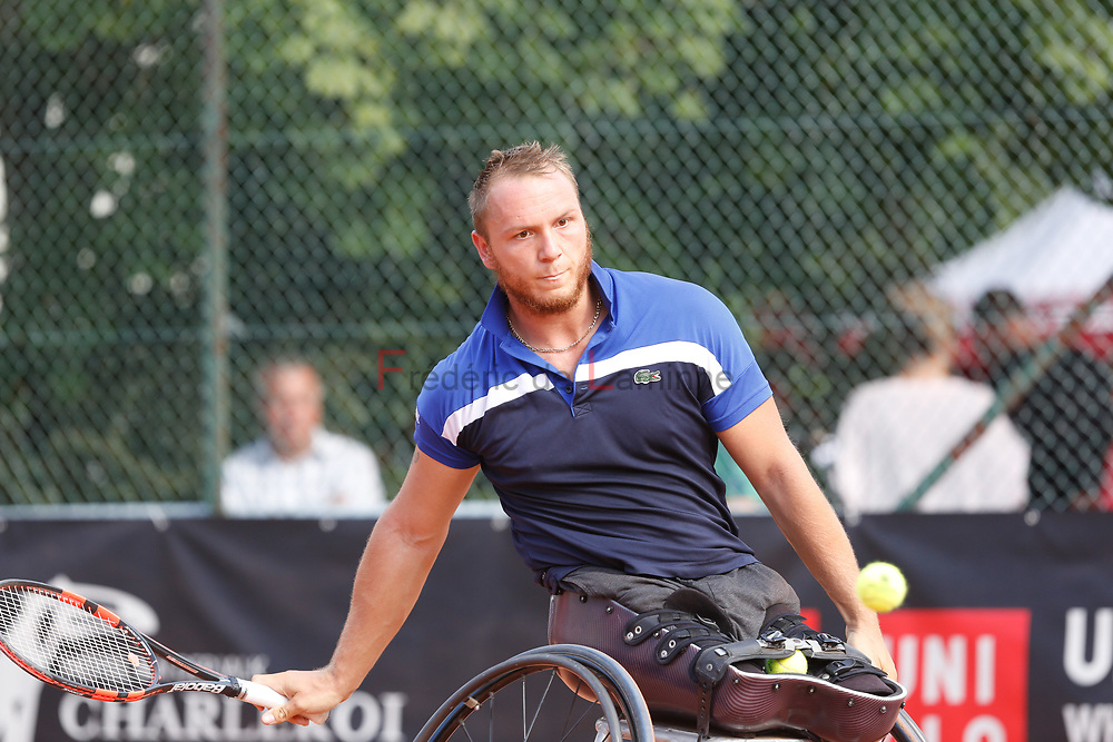 20170730 - Namur, Belgium : Nicolas Peifer (FRA) returns the ball during his finale against Gustavo Fernandez (ARG) at the 30th Belgian Open Wheelchair tennis tournament on 30/07/2017 in Namur (TC Géronsart). © Frédéric de Laminne