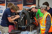 De organisatie kijkt geinteresseerd naar de VeloX. Het Human Power Team Delft en Amsterdam, dat bestaat uit studenten van de TU Delft en de VU Amsterdam, is in Amerika om tijdens de World Human Powered Speed Challenge in Nevada een poging te doen het wereldrecord snelfietsen voor vrouwen te verbreken met de VeloX 8, een gestroomlijnde ligfiets. Het record is met 121,81 km/h sinds 2010 in handen van de Francaise Barbara Buatois. De Canadees Todd Reichert is de snelste man met 144,17 km/h sinds 2016.<br /> <br /> With the VeloX 8, a special recumbent bike, the Human Power Team Delft and Amsterdam, consisting of students of the TU Delft and the VU Amsterdam, wants to set a new woman's world record cycling in September at the World Human Powered Speed Challenge in Nevada. The current speed record is 121,81 km/h, set in 2010 by Barbara Buatois. The fastest man is Todd Reichert with 144,17 km/h.